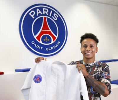 Amandine Buchard signe au PSG Judo
